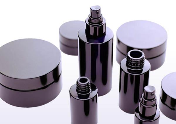 Miron violet glas als illustratie bij uitleg over violet glas